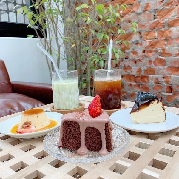 宜蘭 the place 這裡是咖啡店一間由老屋改造的咖啡廳  • 環境🤎🤎🤎🤎🤎(5/5