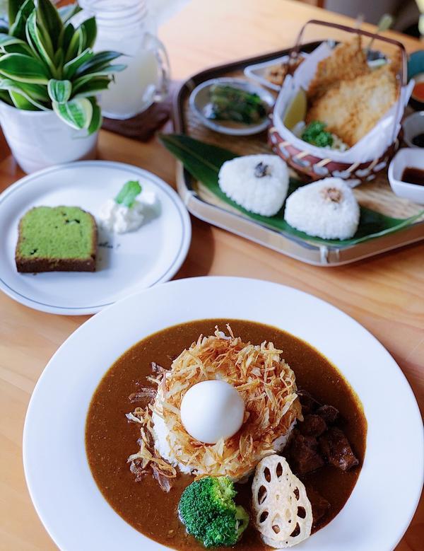 台中西區-必吃清新日式老宅日式料理(右滑有更多美食照片哦!)  小野食堂 日式風格的建築 進去後純白