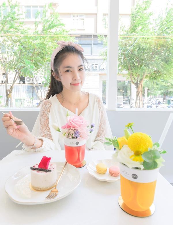 桃園花藝咖啡廳|GOODAFTER日青方好|被繁花圍繞的仙氣下午茶位於桃園大興路上,結合花藝與簡餐,