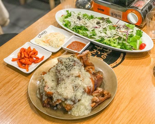 韓國首爾旅遊必吃🇰🇷🇰🇷🇰🇷 千萬不要錯過❗️ ➖➖正餐類➖➖ 【 1豬腳小姐 】 【