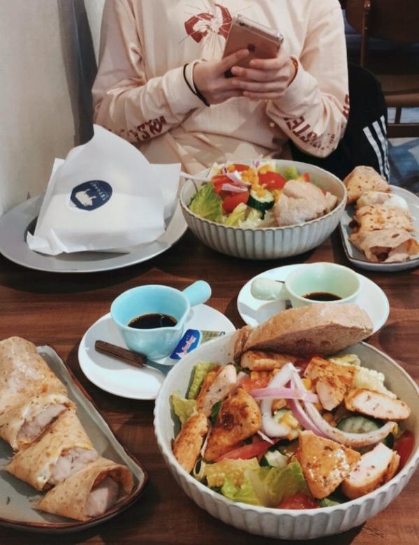 北車美食 📍位於北車和北門站—富士山の豬🗻🐷  🦋還蠻推薦—新鮮芋泥蛋餅$50✨ 芋泥給的超
