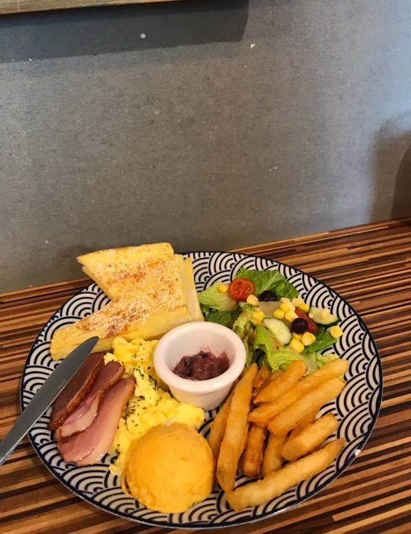 份量很飽足~~  #早午餐#彰化美食#員林美食#員林咖啡廳#吃