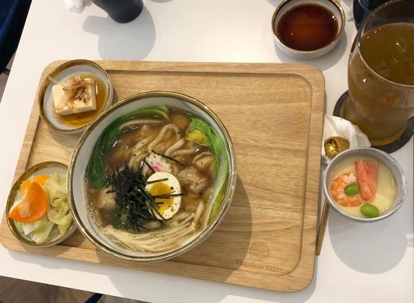 大理石餐具,九宮格壽司🍣,小小的店,大大的用心!