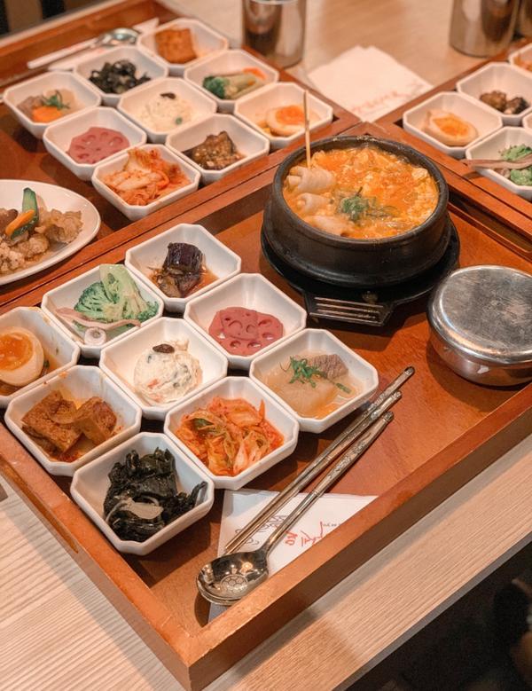 台灣🇹🇼台北美食 偷飯賊最近因為疫情關係無法出國旅行 所以想吃異國料理,只能瘋狂搜尋餐廳 最後找