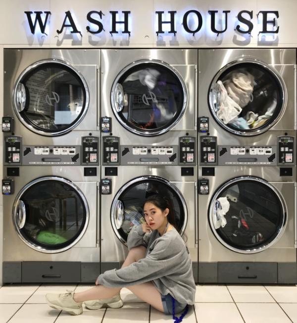 台中-wash house網美洗衣店難得週末跟男友在台中,想說去看場電影。 這間網美洗衣店在台中中華