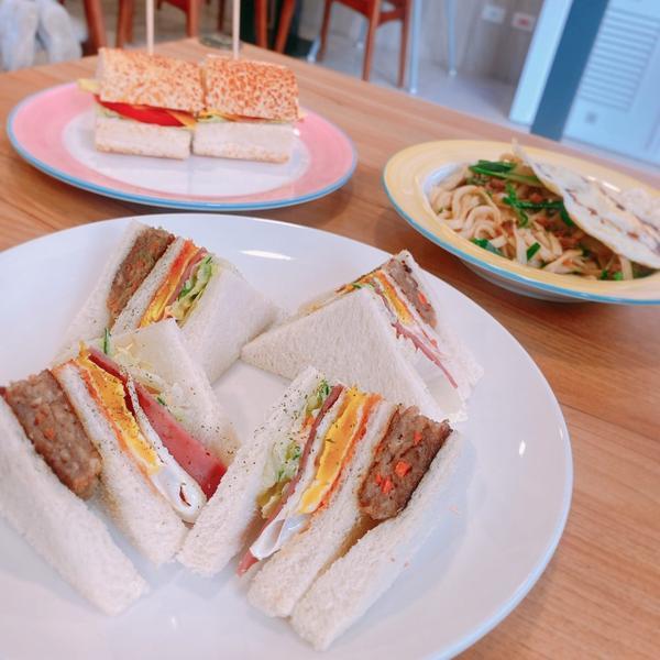 林口l一定要來吃的早午餐店《日出輕食》推推:🌟🌟🌟🌟這次來到朋友的早午餐店作為新年的第一頓早