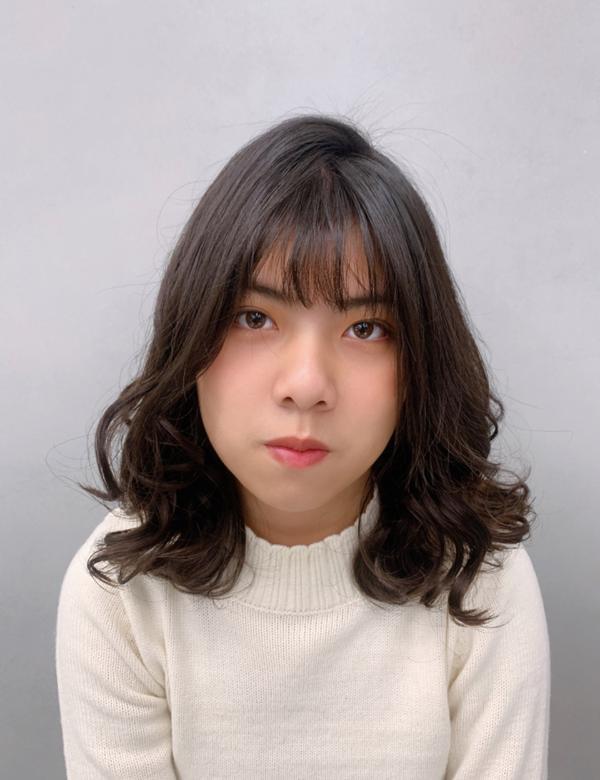 韓系鬆軟捲阿妞我是LING(ㄌㄧㄥˋ)🙌🏻🙌🏻🙌🏻  這是非常好整理的捲髮 可以把電棒收