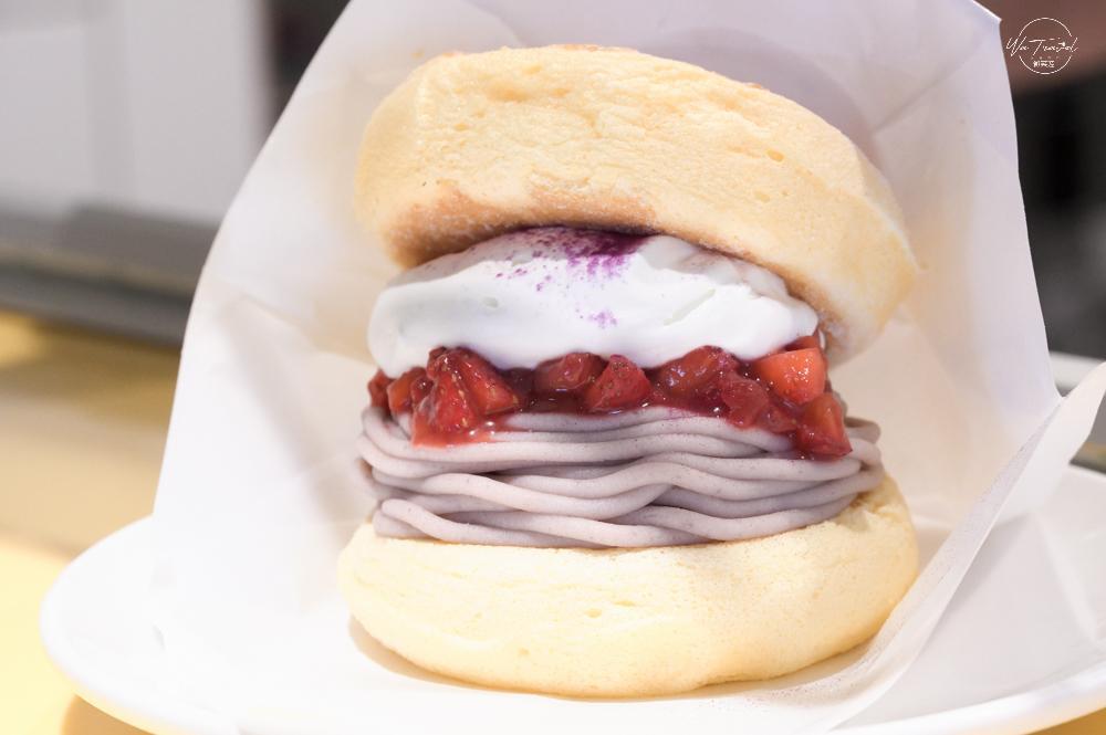 ▴超像漢堡的可愛造型滿滿的芋泥跟草莓醬果粒鮮明