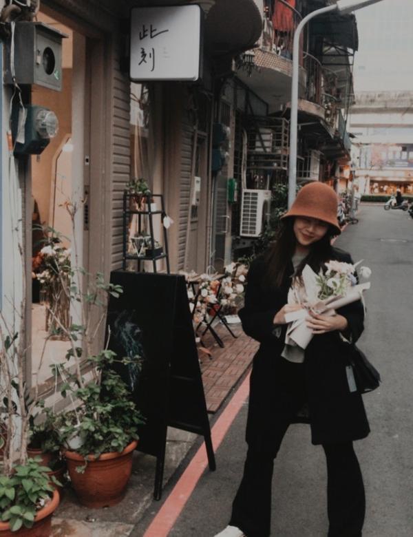 台北小花店買一束花給 也喜歡花的我自己 &你自己💐 📍TAiPEI , 內湖