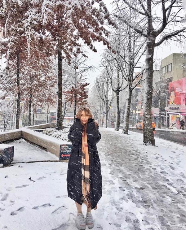 梨花女子大學即將回國的最後一天 很幸運的遇到初雪❄️ 美麗的韓國街景更有味道了! 剛好前一天就先在明