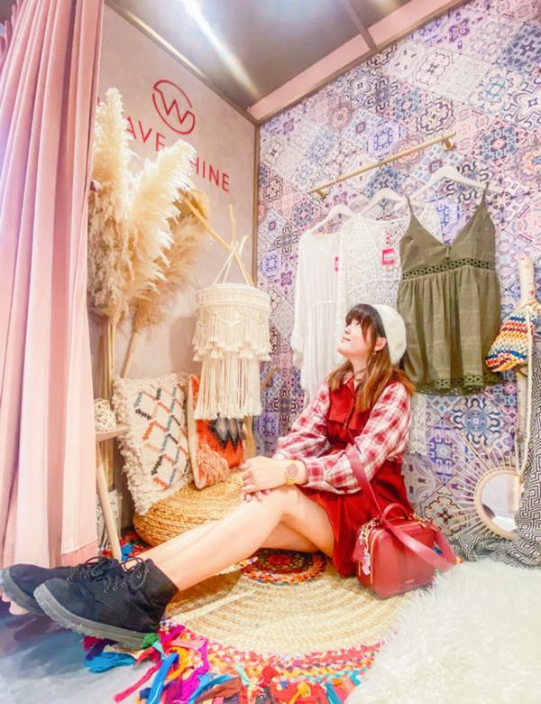 台北超美更衣室💕每個女孩心中總希望有個超美的更衣室,尤其是能放更多的衣物擺飾,而女人的衣服永遠都是