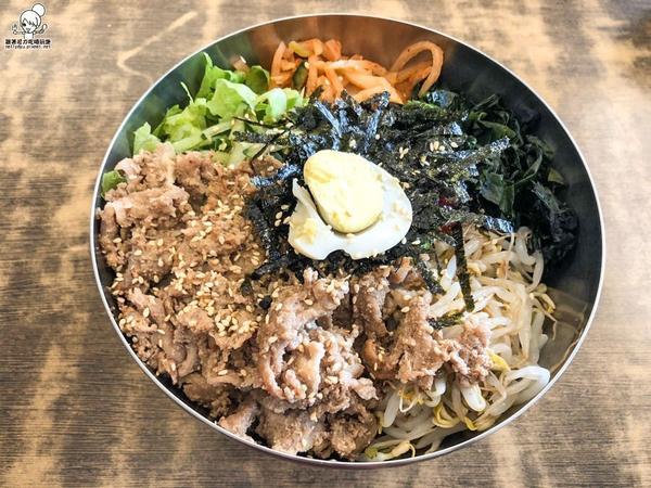 高雄浮誇份量韓式料理 全羅道菜單的單價看起來偏高,等餐點端上來~~我們都覺得超值了! 很適合大胃王來