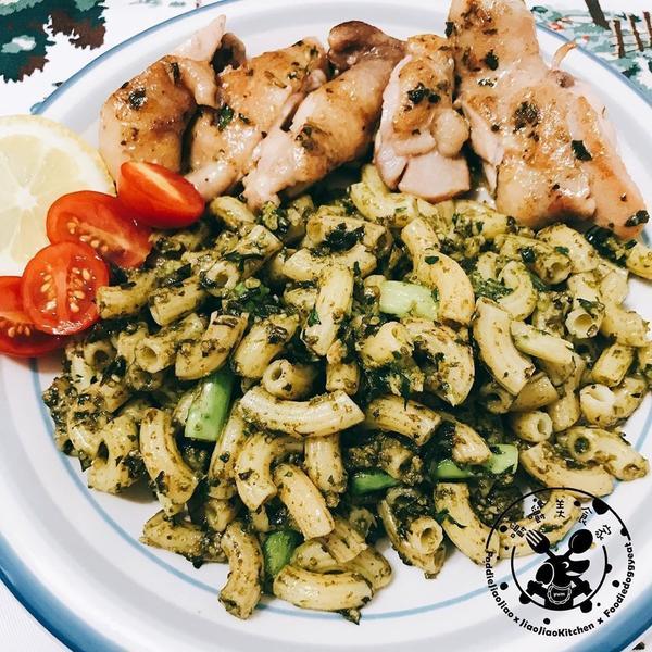 【自己煮美食】 --- #青醬雞肉蘆筍通心粉先製成#自製台式羅勒九層塔青醬參考菜單@ic