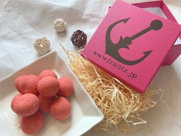 神戶必買伴手禮-Frantz草莓巧克力🍓超好吃的草莓巧克力是去年12月去日本玩買的。Frantz最