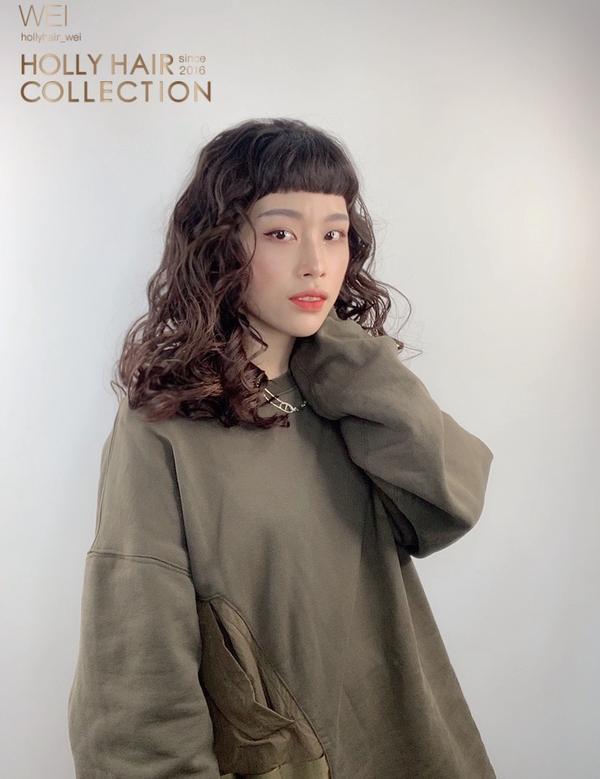 個性女孩的首選捲髮根根分明的歐美捲髮🥰 Holly 延吉店 捷運國父紀念館1 號出口  諮詢 +L