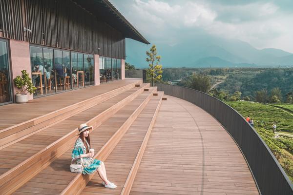 【南投魚池│景點】鹿篙咖啡莊園。魚池咖啡廳推薦,俯瞰山林茶園之美,絕美拍照打卡熱點最近魚池和埔里一帶