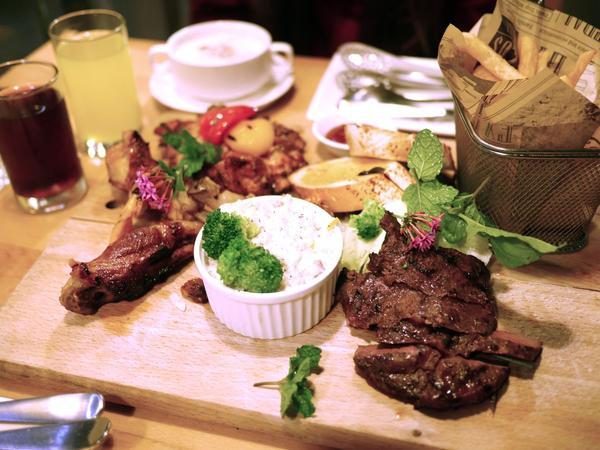美食|卡爾登飯店 Share享餐廳。熊寶小榆の旅遊日記🌲#享餐廳share  在卡爾登北大館一樓的