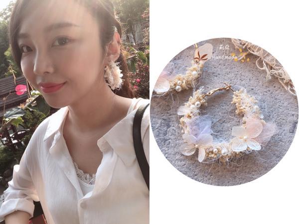 [手工耳環] 繡球小花環自製 繡球小花環❤️ 除了永生繡球花瓣 還加了日本透明珠、珍珠、進口毛線、小