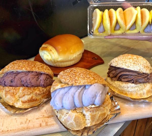 📍台北 •大安區【木村屋】  有看過輕乳酪蛋糕放在泡芙裡的嗎?cp值很高的麵包店!!每個產品又大又