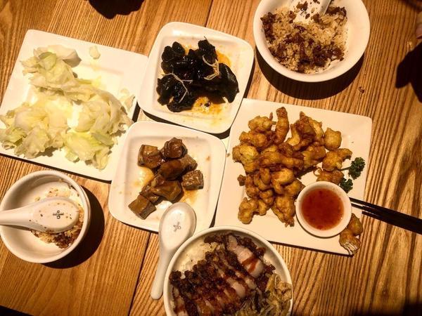 美食地圖-不可不知的林口滷肉飯🍴玉女號滷肉飯🍴-得獎的平民美食  滷肉飯(小)🍚-$30 飯本