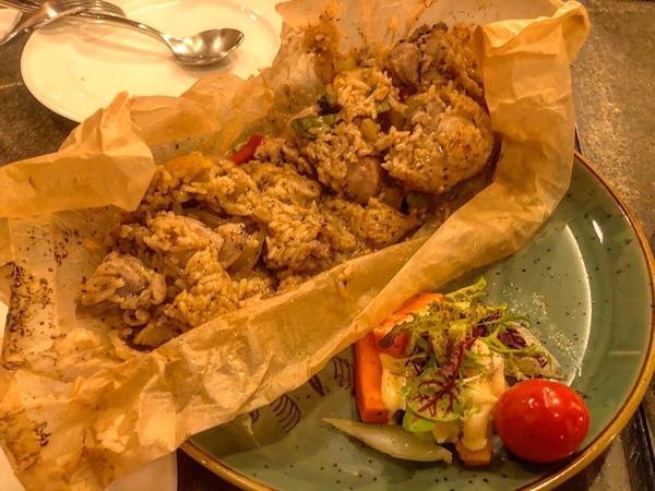 台中美食地圖-創新復古的多元化料理🍴昨日花卷 跨界好食🍴-創意美味的異國料理  火烤飯-叫化子雞