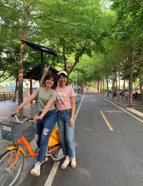 潭雅神綠園道   真的是一條長長綠色隧道 騎自行車、跑步都很讚 疫情期間只能簡單走走活動筋骨 運動增