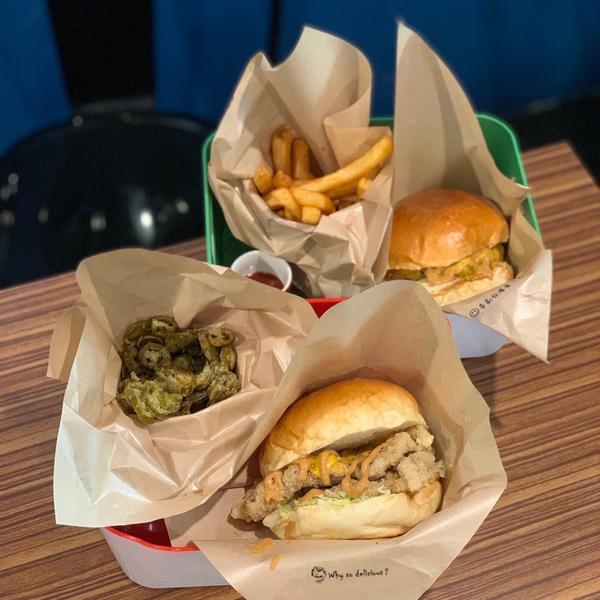 喜劇收場 🔍新竹美食/東區/漢堡 愛吃漢堡的人快來收藏起來🙌🏻🍔 - 工商一下📮 𝙄𝙉