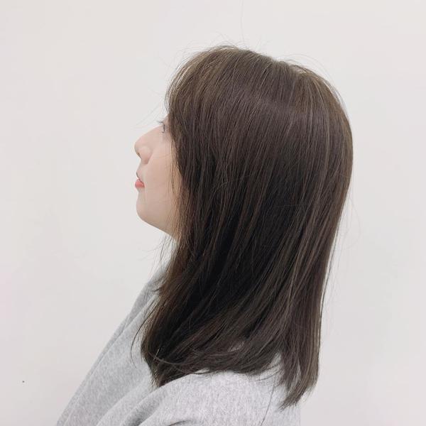 ✨冷灰棕✨✨冷灰棕✨  ✔️大黃皮膚也能輕鬆駕馭 ✔️顯白髮色推一波🙌🏻 ✔️喜歡低調但又想看到