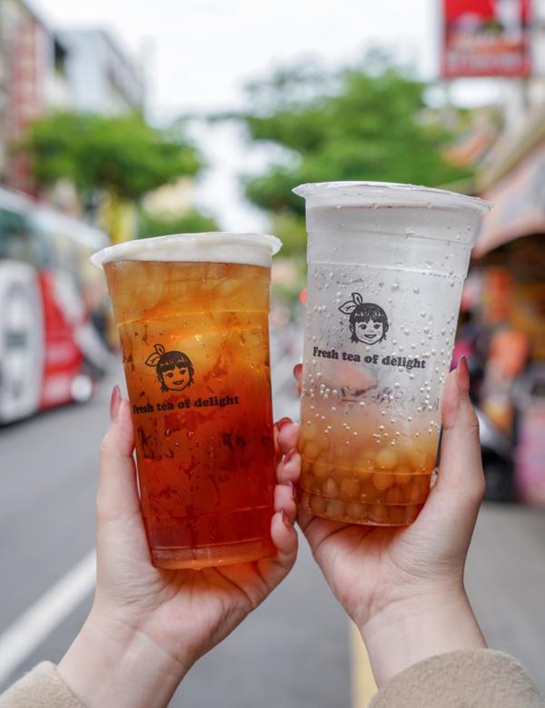 |台南美食|—鮮茶來樂,安平老街必喝茶飲店!今天來介紹一間茶飲專賣店「鮮茶來樂」🥤,位於在安平老街