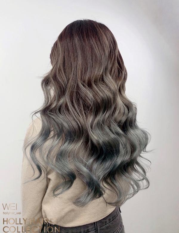 男友一眼愛上薄荷灰青手刷漸層染 美人魚捲髮 男友一來接小姐姐就說:「頭髮好美喔~」 😂😂😂😂