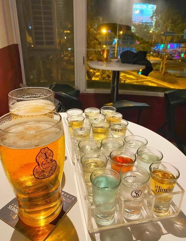🇹🇼台南【中西區】|玩 海安路上能玩能喝的聚會酒吧-THE SHOTTING FUNTHESHO