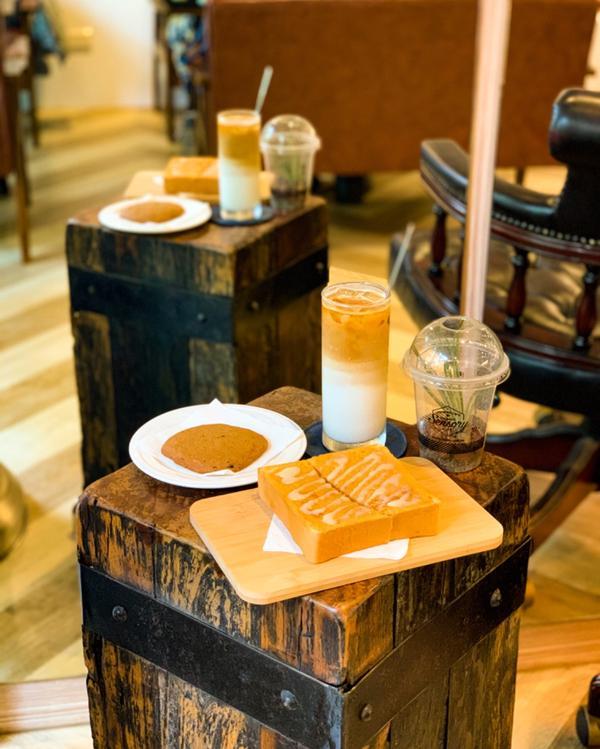 台中深夜咖啡 新銳咖啡 惠中店📝店內餐點 ▪️甜點 ▪️咖啡 ▪️鬆餅 ▪️披薩 ▪️麵食 ▪️飲