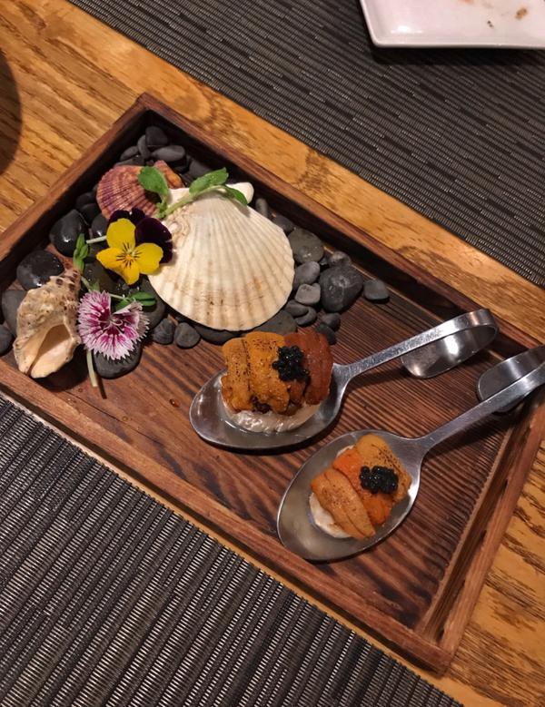 📌台北市民大道「頂焰精肉小酒館」 這次點的是精緻雙人套餐 $2888 每一樣餐點都好吃! 服務也很