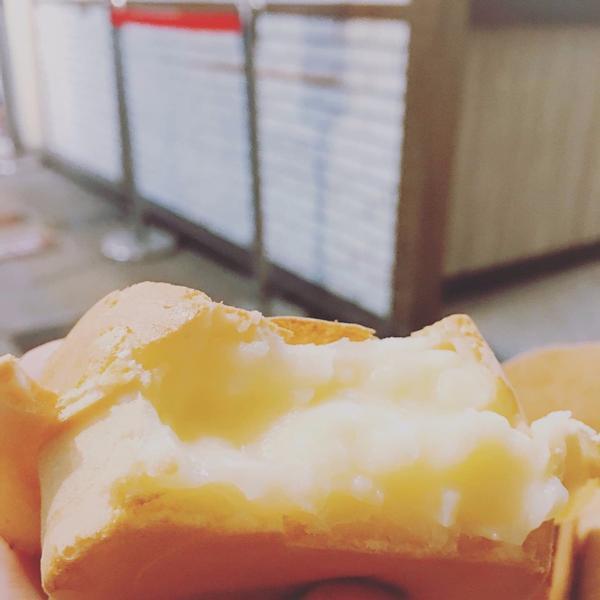 濃郁奶香車輪餅位於花蓮的晴光紅豆餅是難得好吃的車輪餅專賣店選用高雄9號紅豆我最愛的就是他們的奶油口味