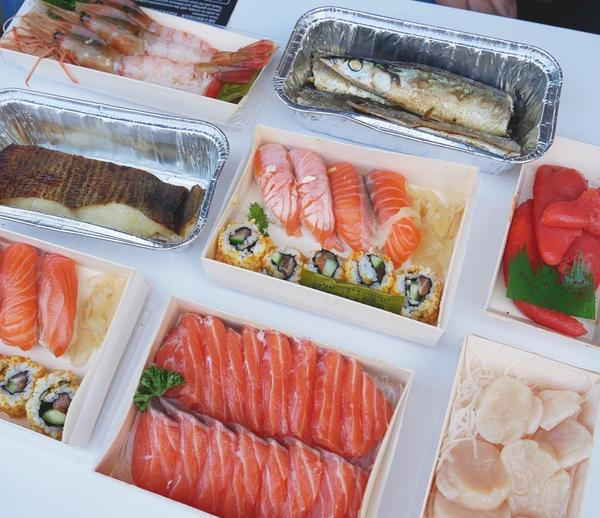 [ 台北美食|上引水產 生鮮超市 ]🍣:依據盒上標價 🍴:😋😋😉😉 - 吃不起上引水產的