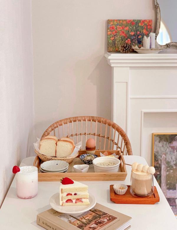 【台北午茶】mumi cafe 。純白韓系網美咖啡廳 軟綿奶油吐司 個人小烤爐自己要吃的自己烤萌萌的