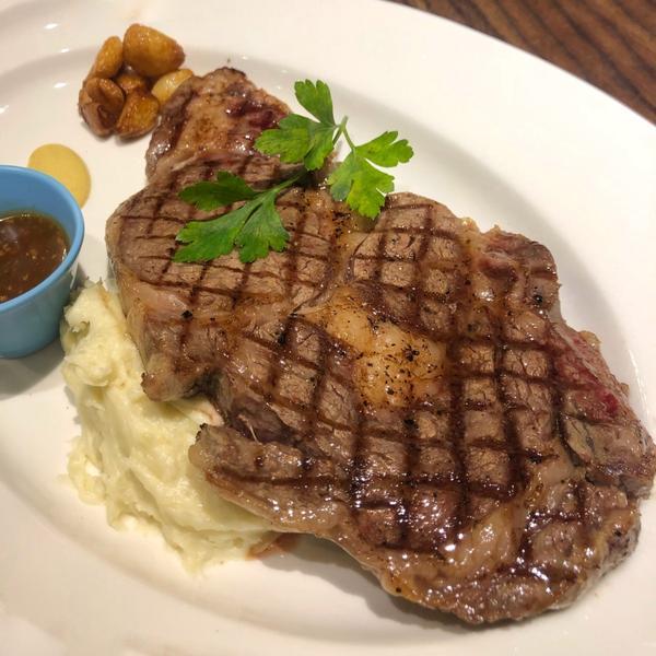 東區隱藏版日系義式料理🤤吃一次直接愛上的牛排及松露麵😍📍台北·忠孝復興這是咪嚕的生日餐!!快來