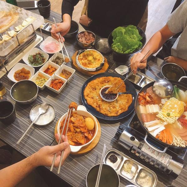 【台中∣豐原區】大朴食堂✨韓式燒肉水晶烤盤,老闆韓國人食物超道地~🔺4人饗宴套餐/$1460🔹