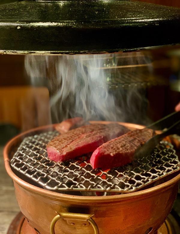 我的前三名燒肉📍台北,樂軒和牛燒肉偏日式燒肉,但價位中高,所以推薦午間套餐。但服務與環境是大勝,走
