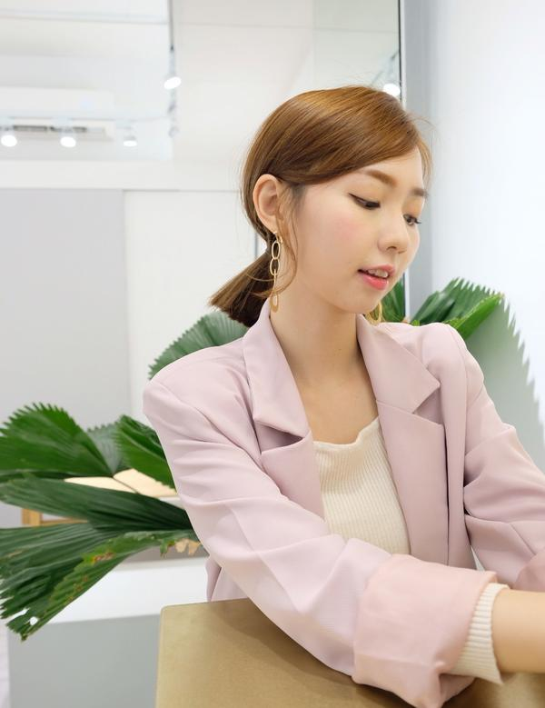 韓系耳夾🤍好美好細緻的耳夾 耳環真的很重要!從耳際延伸到鎖骨的視覺👀 真的不能小看小小耳環!真的