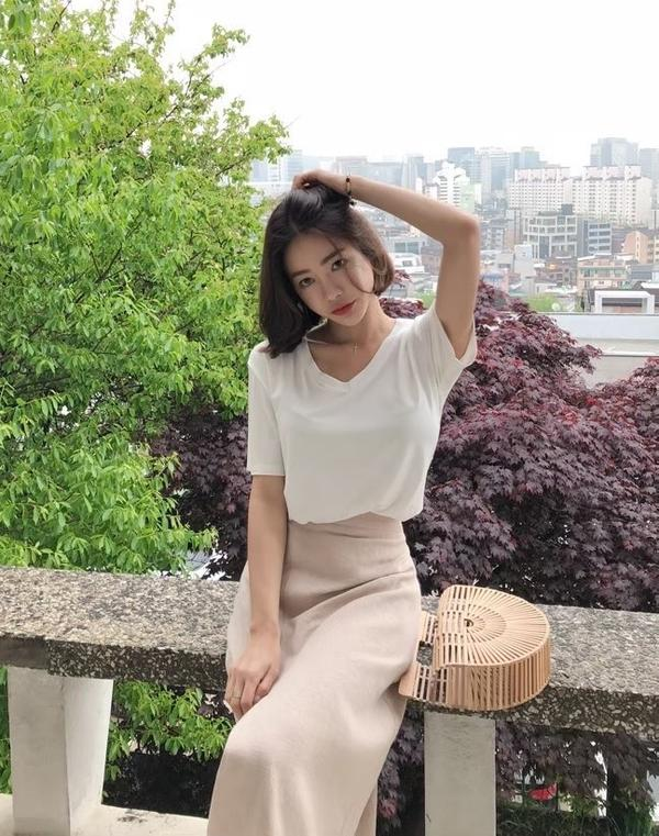 正韓短袖上衣-夏天就是要親膚舒服又好穿搭的上衣 數量不多正韓貨 https://shopee.tw/