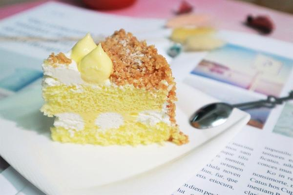 好吃又夢幻的甜點~妳吃過了嗎我覺得有女生的地方就少不了甜點,「法國的秘密甜點」這一間網購超熱門,好吃