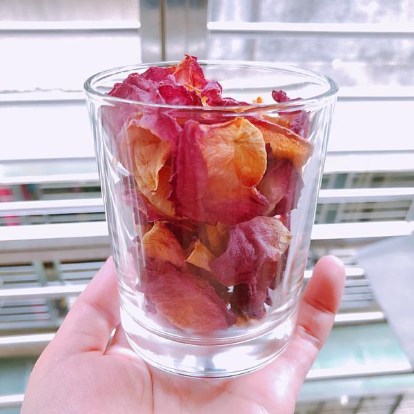 (手作/玫瑰乾燥花 || 居家DIY、手作玫瑰乾燥花、還可以當擴香 || MissChaChadia