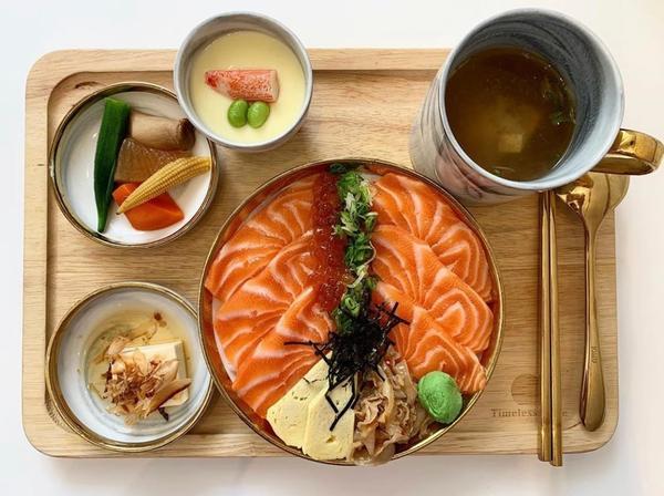 ♡高雄/想找好吃的壽司又想要環境優美,可以拍網美照的,選他就對了!《Timeless taste食光