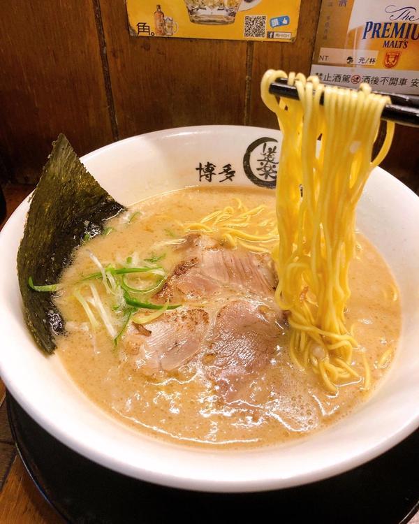 士林有名的道樂屋台拉麵來囉🍜📍台北 // 士林 // 道樂屋台 #TAIWAN #FOOD #E