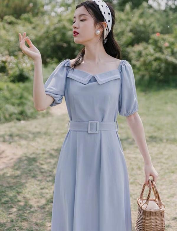 法式復古淺藍仙女裙淡淡的藍色 宛如炎夏中的一縷涼風 清爽宜人 宜動宜靜 --------------