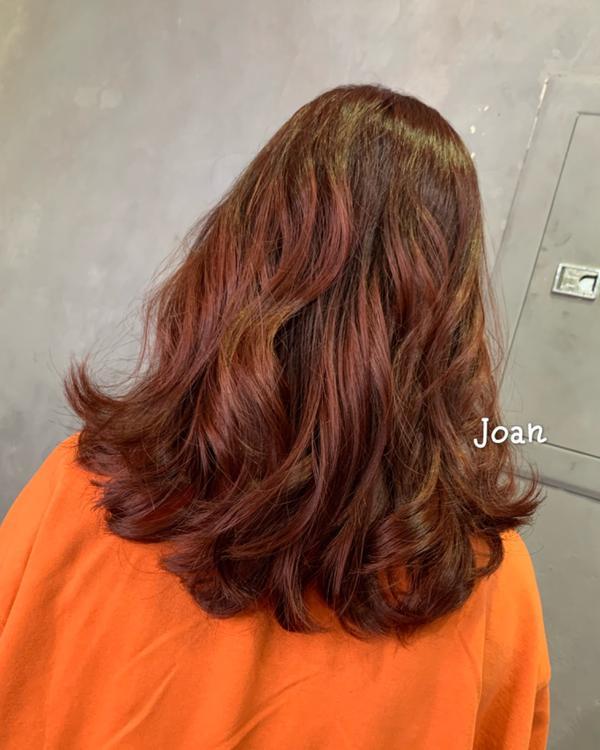 染髮霉果紅髮色🌹六月開放預約👀  #三重燙髮 #三重染髮 #耳圈染 #漂髮 #蘆洲燙髮 #蘆洲早