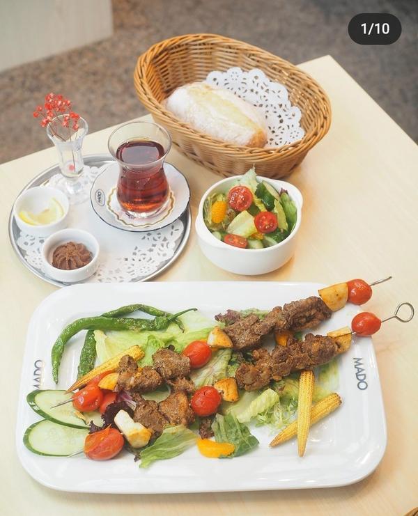 母親節想帶媽媽去吃Moda 土耳其料理還沒有錢帶媽媽去土耳其玩xd 先從吃開始進攻 😅😂🤣