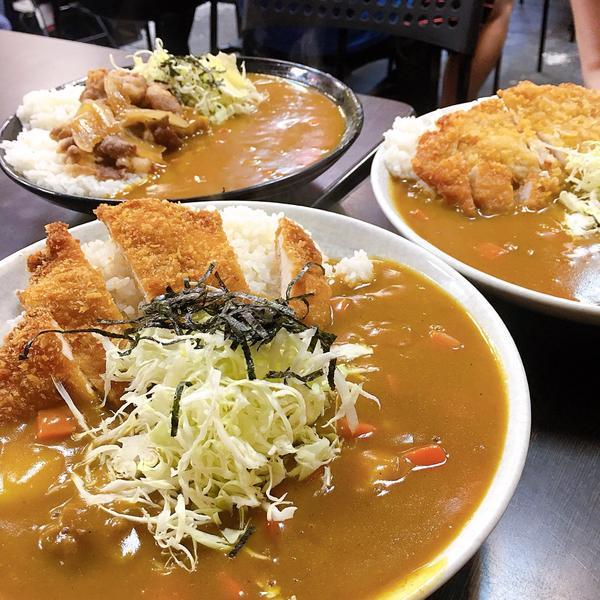 [台北咖哩]北科大附近光華商圈中的好吃咖哩今天來介紹一款校園美食 位在台北科技大學對面的光華商圈