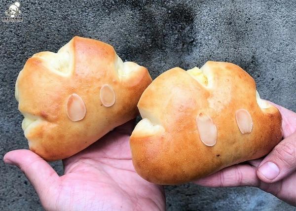 超萌可愛又好吃的貓抓草麵包